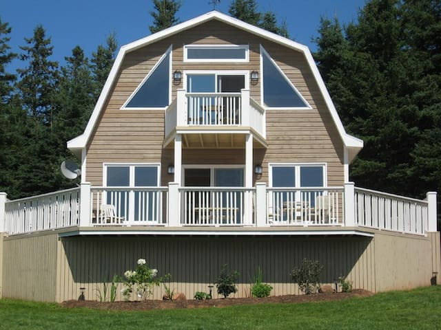 Skyview Cottage- Stanley Bridge PEI - Stanley Bridge - Kabin