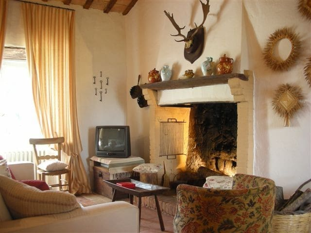 CASALINI - chic stone farmhouse