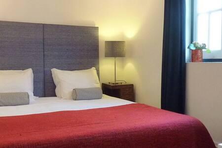 ZUZA PRIVATE ROOM w/ breakfast - Lisbonne - Bed & Breakfast