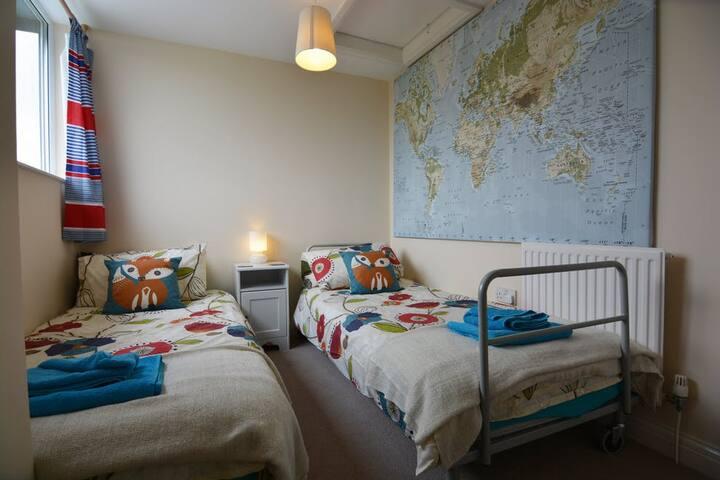 Twin Room 2
