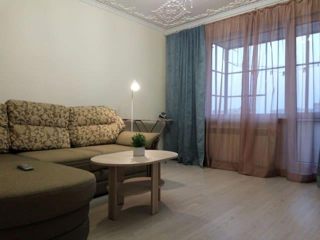 Стильная трехкомная квартира - Мукачево - アパート