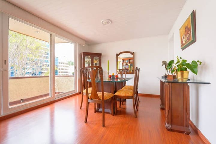 Clean, comfortable, peaceful & close to everything - Bogotá - Apartment