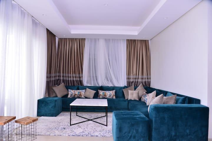 Appartement luxueux vue sur mer-Plage des nations