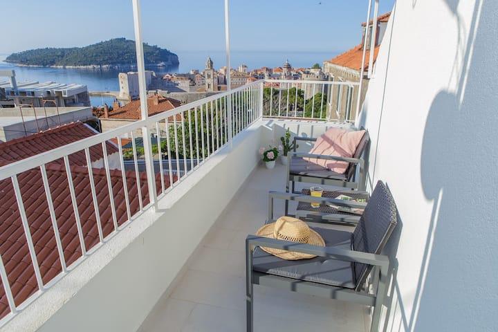 Duplex Apartment Marija near the Old Town