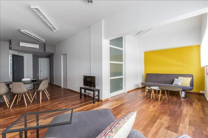 Two Bedroom Apartment in Psiri - Athina - Daire