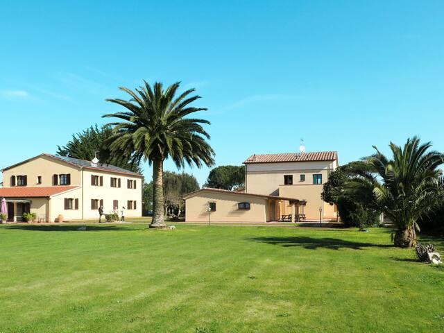 Apartment Podere Conte Gherardo for 4 persons