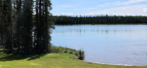 Rustic Mountain Lake Front Cabin