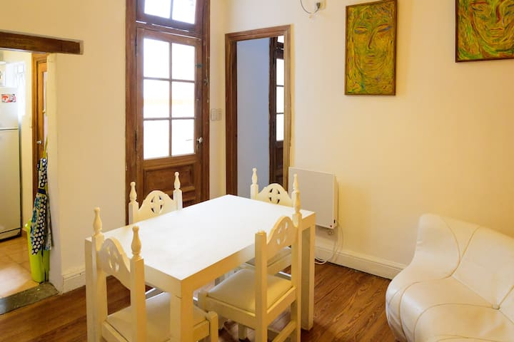 Beautiful room in great share (2C) - Buenos Aires - Huis