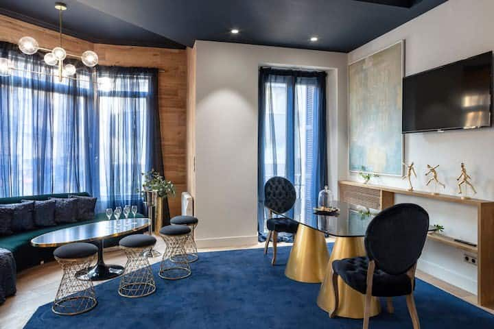 Luxurious brand new apartment!!