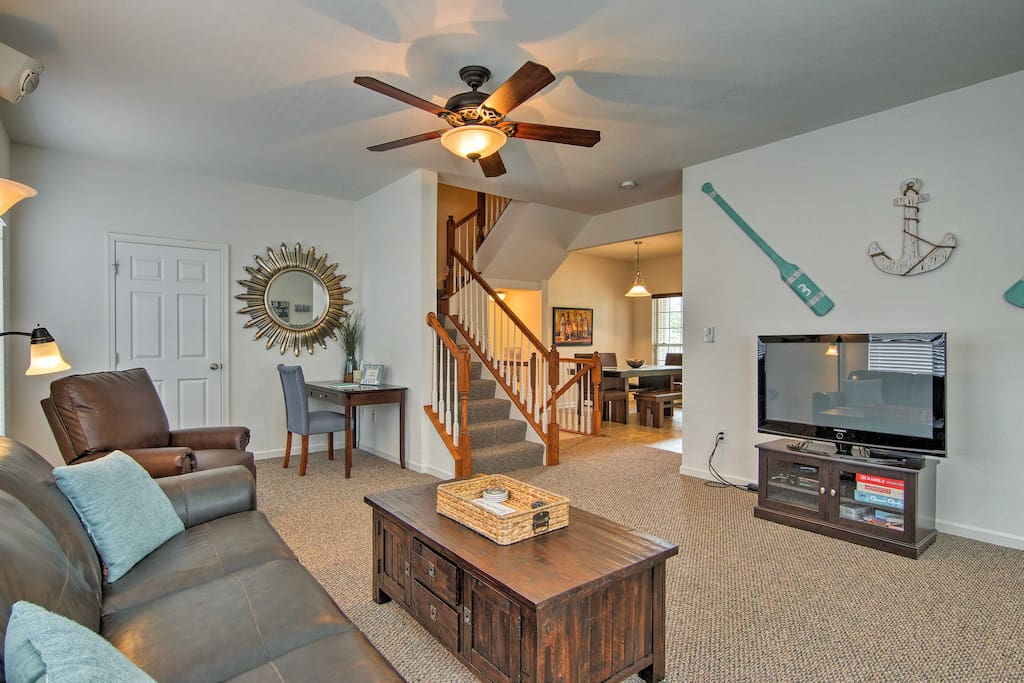 With 4 bedrooms and 3.5 bathrooms, this home is perfect for groups of 11.