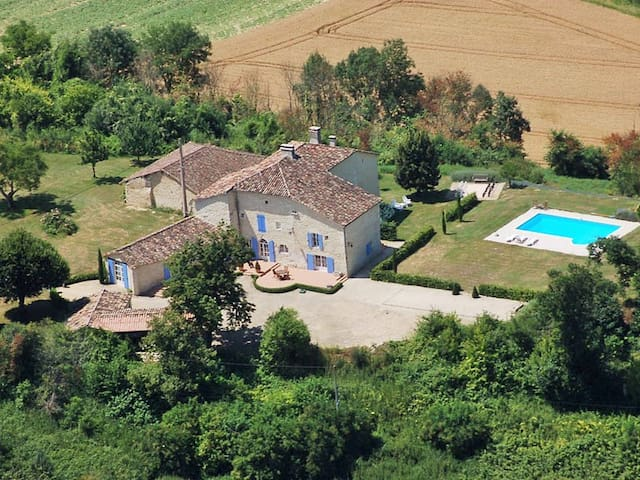 Country house on spacious property in Monflanquin