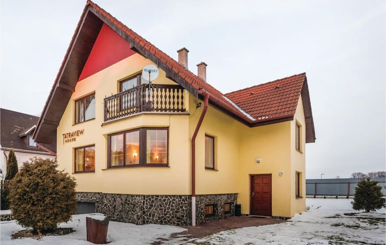 Holiday cottage with 5 bedrooms on 282m² in Velka Lomnica