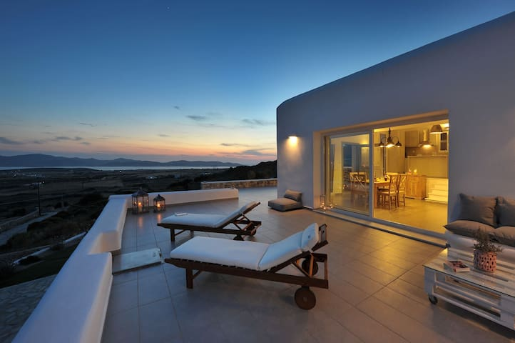 Villa Sunset Luxury Villa in Paros - Aliki - Willa