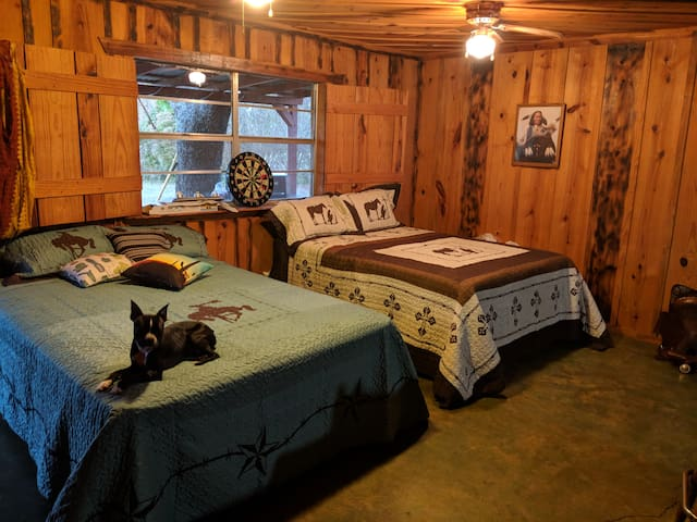 Salt Creek Cabins & RV Park.. Rustic/Western decor