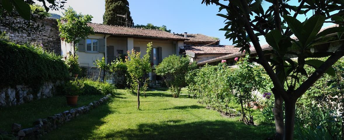 Pescatore a top B&B in Iseo Center! - Iseo - Bed & Breakfast