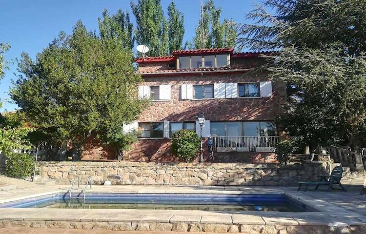 Casa Rural La Asomailla com piscina e sauna