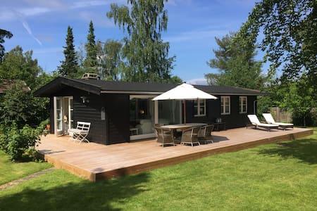 Cosy family-friendly summer house in Hornbæk - Hornbaek