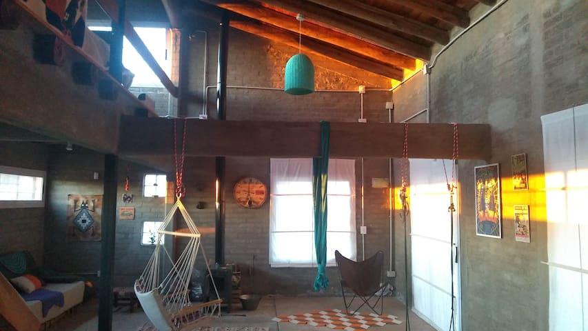 Loft de campo, viñedos,  bodegas y precordillera