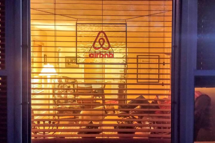 MARYLAND SUBURBS NEAR DC (TWIN/1 Bedroom)