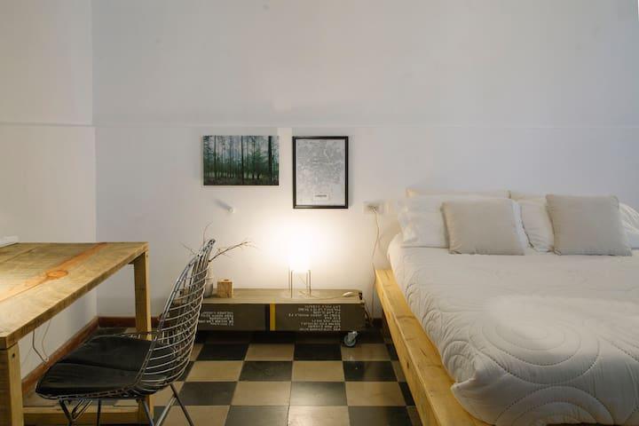 Room Nº03 | CASA HELSINKI B&B