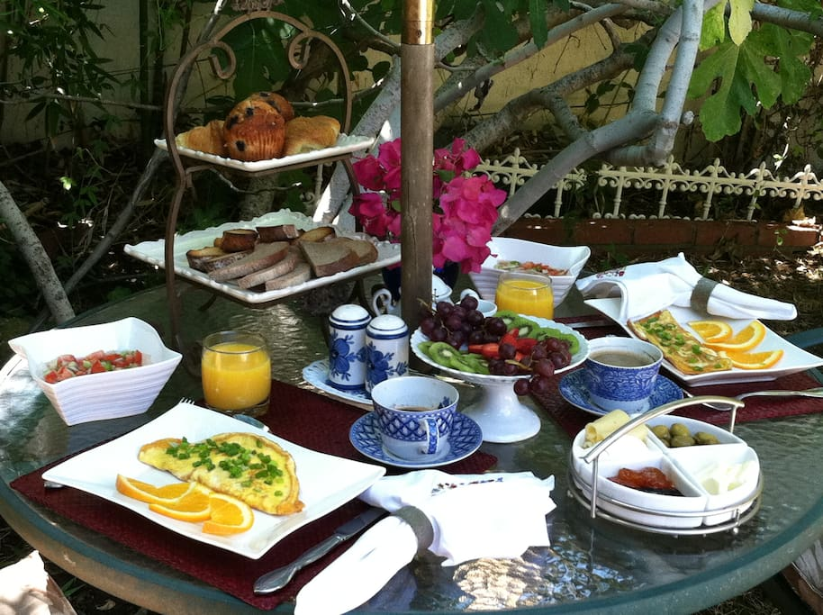 Cooked to order delicious breakfast served outside by the pool