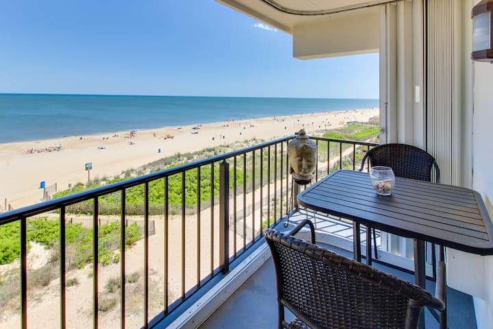 Sparkling oceanfront condo with balcony and incredible view