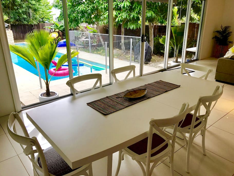 Beautiful 6 seater dining suite with views to the pool
