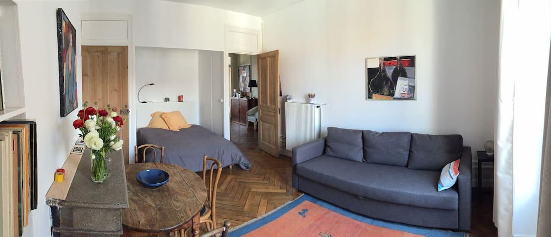 [ chez Marie ] belle et grande chambre très calme