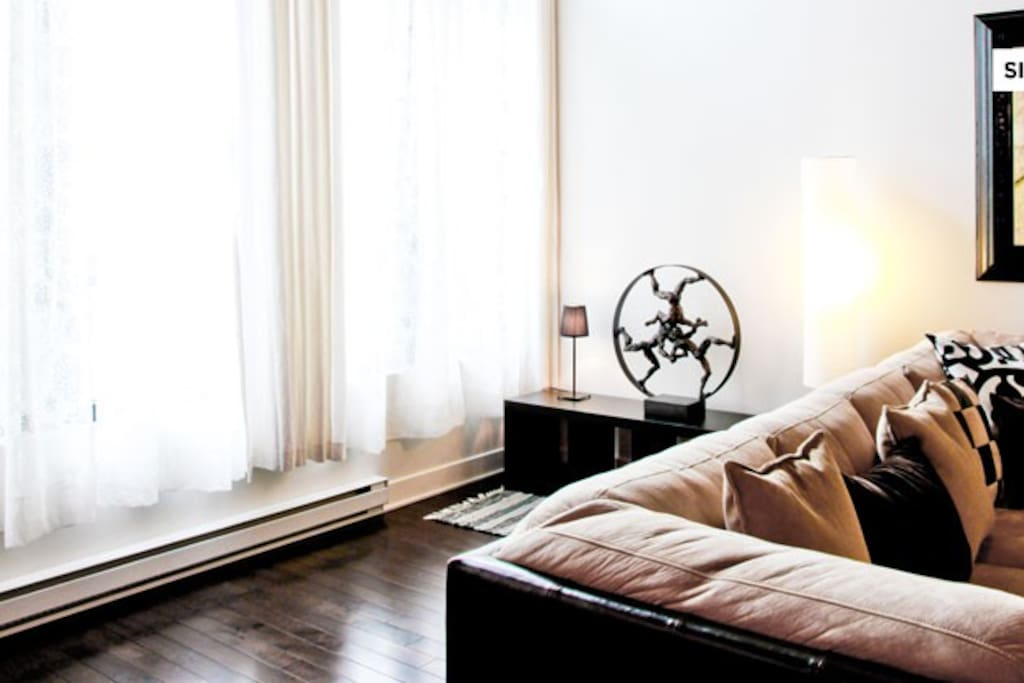 1 Bedroom furnished condo - 472