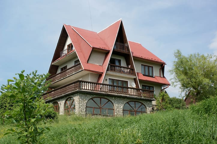 Visit Polish Pieniny Mountains - Czorsztyn - Hus