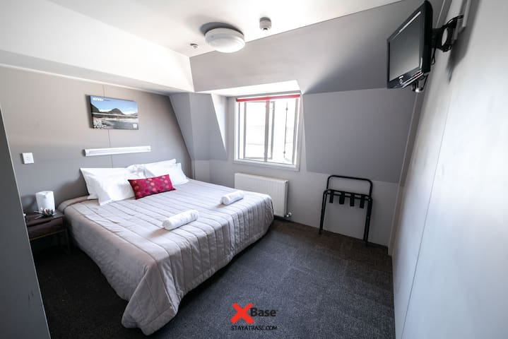 Beautifully Simple double room with En-suite Facilities