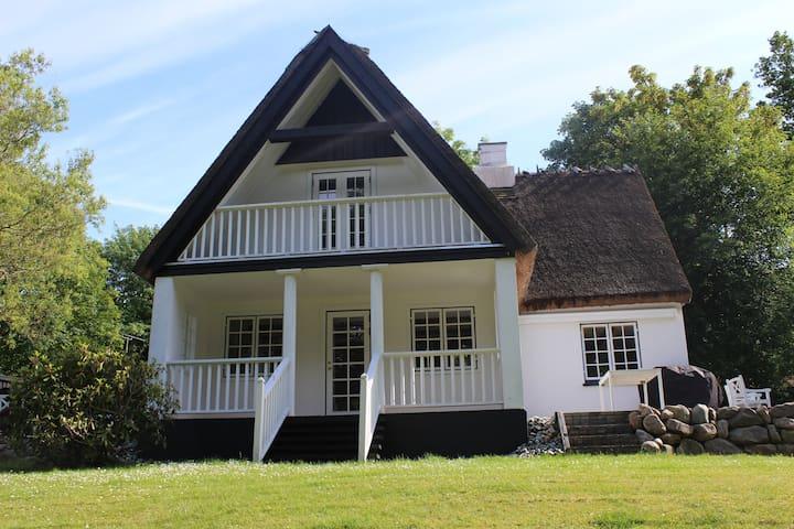 Dronningmølles lille Badehotel - Dronningmølle - Huis