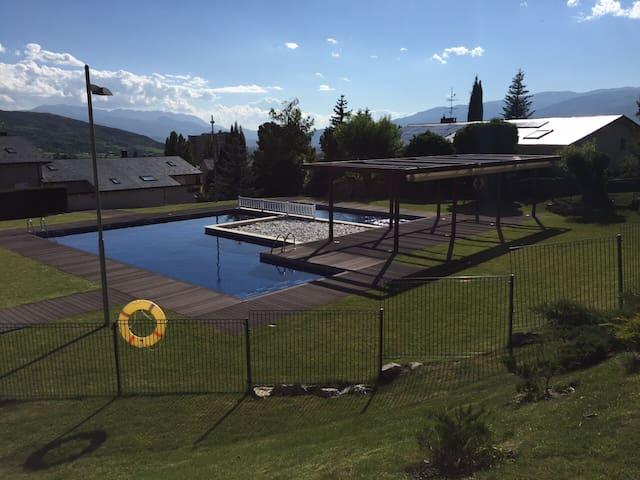 Apartamento con jardín y piscina - Osséja - Leilighet