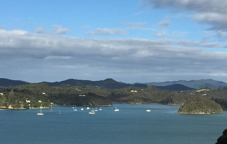 Allan's Place, quiet with spectacular views - Paihia