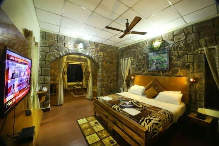 AC Cottages in Resort near Bandhavgarh National Park Tala Madhya Pradesh