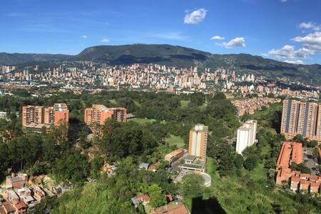HERMOSO APT/2ROOMS/Piso25 best view - Medellín