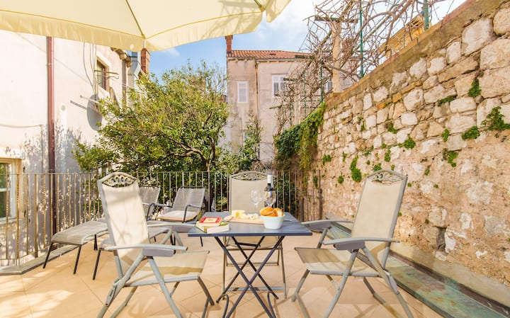 Relaxing 2 BDRM apartment, Old Town, Dubrovnik