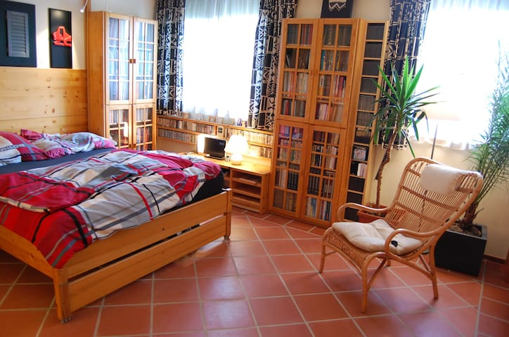 Private Etage in Reihenhaus+Garten - Berndorf