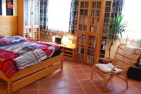 Private Etage in Reihenhaus+Garten - Berndorf - Huis