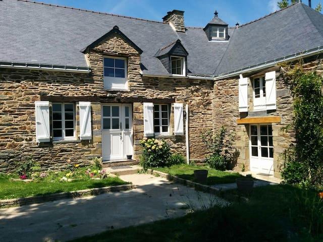 Moulin à Eau de Caractère. Caryopse - Sixt-sur-Aff - ที่พักพร้อมอาหารเช้า