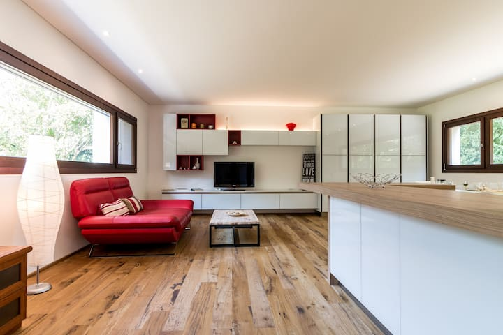 Modern villa & park + free bikes top for families - Treviso - House