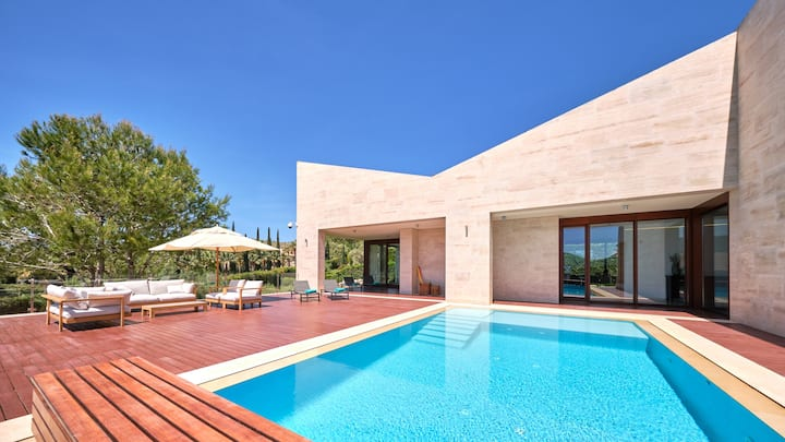 Villa Topaz by Cap Vermell Estate: luxury & pool