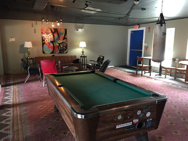 Guadalupe: Austin Young Professional Community