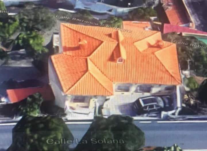 SE ALQUILA CHALECITO LARGA TEMPORADA  2.000€ / MES