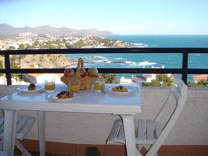 040 Apartment to rent wit commun pool and sea view.