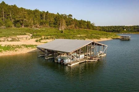Old fashioned pine Cottage 5 on  Bull Shoals Lake