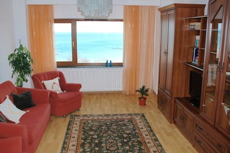 Downtown apartment front-facing the beach - Constanța - Квартира