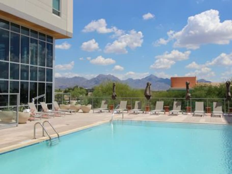 The amenities here are outstanding.The Infiniti pool is salt water and looks over the McDowell Mountains