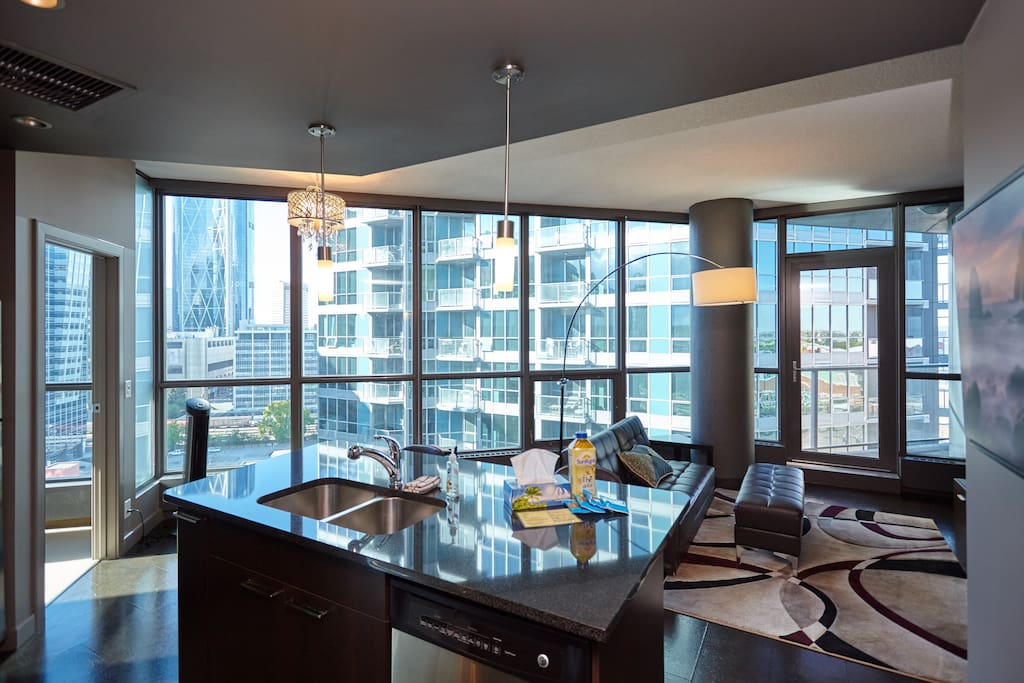Floor to ceiling windows with a spectacular downtown view.