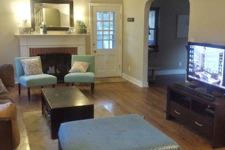 Charming Brick Colonial- 2 bedrooms